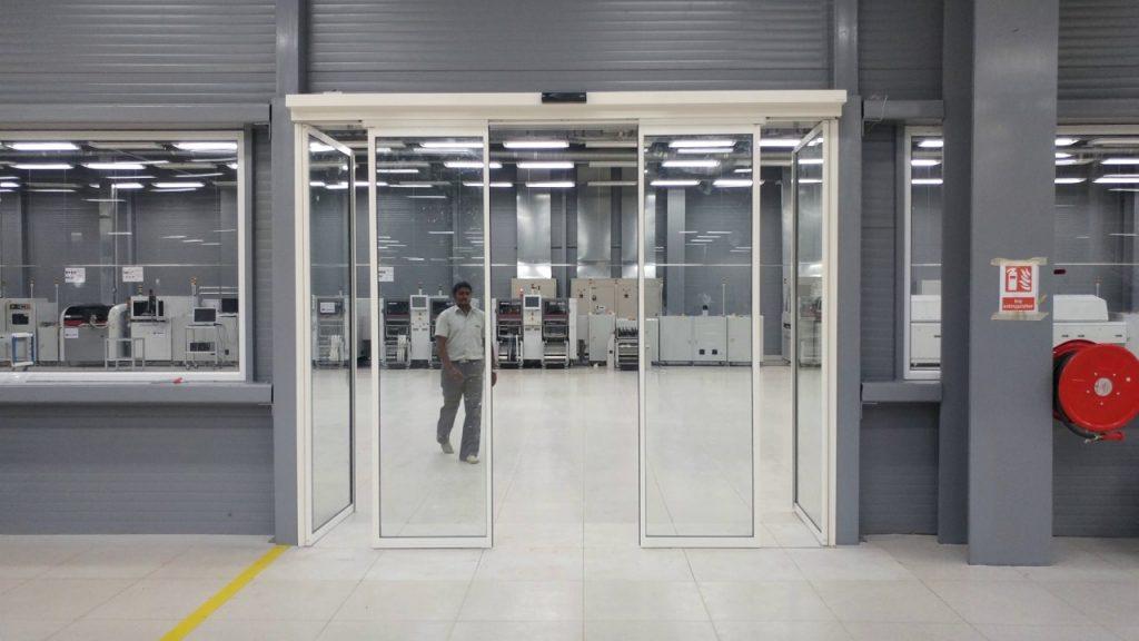 Automatizador de portas de vidro