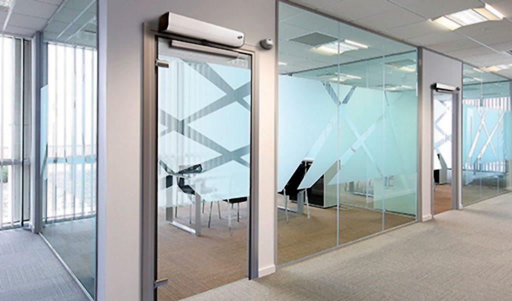 Portas automáticas de vidro com ar condicionado